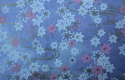 G013 Yuzen Paper - Leaves & Swirls on a Lilac Background